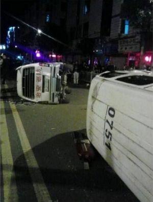 车祸,在救护人员对受害者进行施救过程中,受害家属和现场群众受不法分