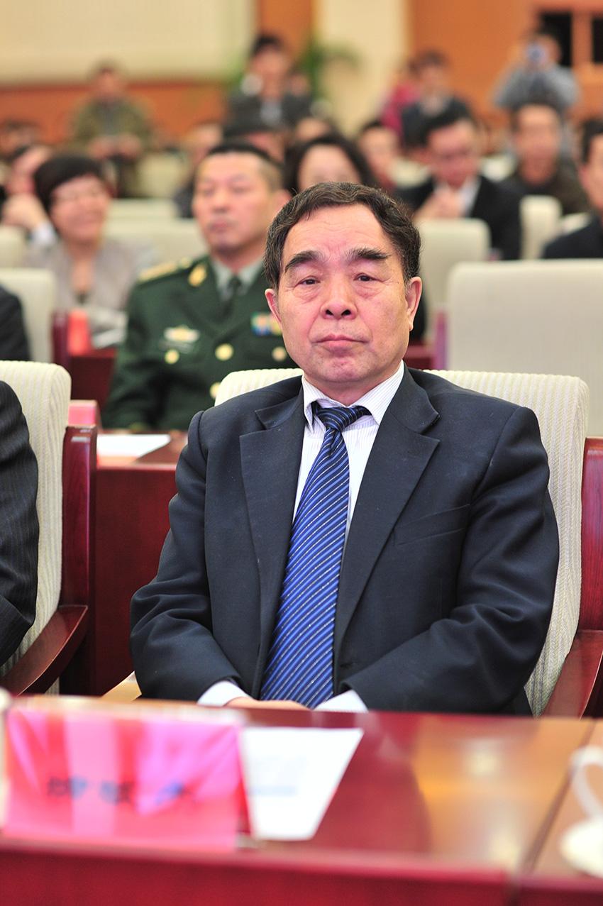 任中国 人民网2013年度评选揭晓盛典 柳斌杰图片