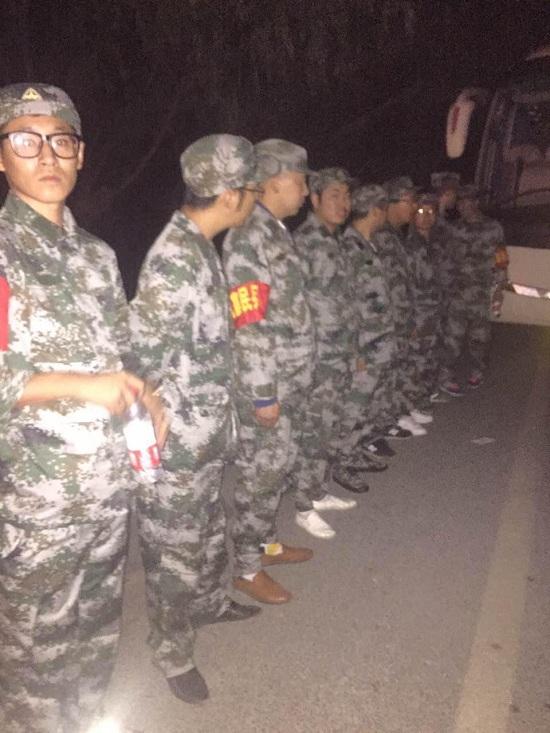 九寨沟县漳扎镇电话连线:电力逐渐恢复 群众被安置到平坦地点