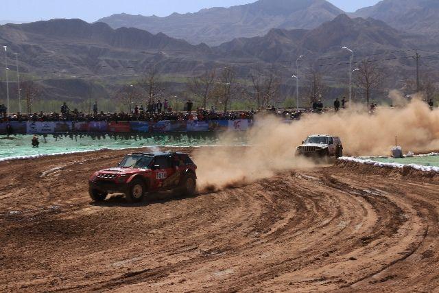中国汽车越野巡回赛揭幕战在青海化隆火爆上演