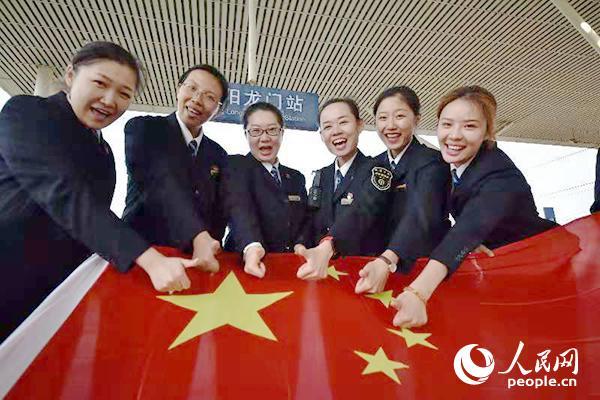 全国铁路迎来国庆假期客流高峰10月1日全国铁路预计发送旅客1619