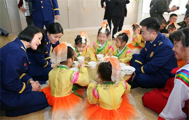 吉林延边消防携手社区举办共度元宵佳节活动