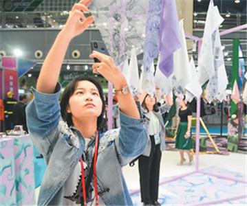 两岸纺织服装博览会开幕