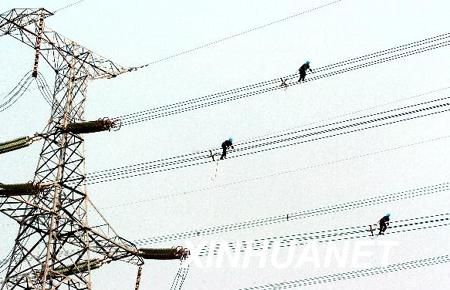 2万基高压杆塔倒塌,1.2万基受损;高压线路断线12
