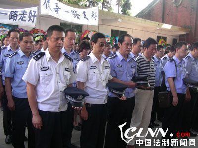四川巴中:人民的好警察侯林 永远活我们心中